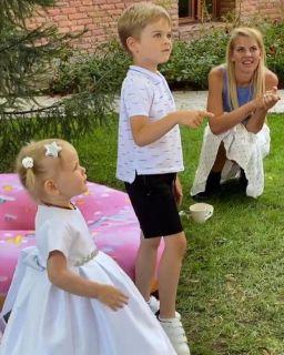 Анна Белодедова иНикита надне рождении дочки Кудрявцевой. Кадр изInstagram: @gavrilovna.k