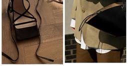 Как подобрать обувь к сумке — 6 беспроигрышных вариантов на примере стилистов