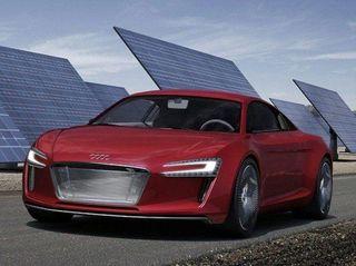 Audi осуществит запуск серийного производства модели R8 e-tron
