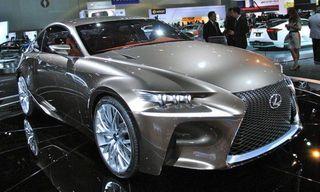Новый компактный седан Lexus IS получит турбодвигатель от модели NX