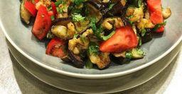 Салат из баклажанов в сковородке. Рецепт из СССР