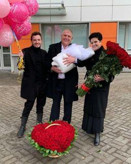 Фото: Елена Голунова с семьей, @golunovaofficial