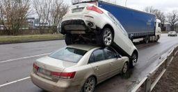 Чудеса парковки или способы по-хамски оставить машину
