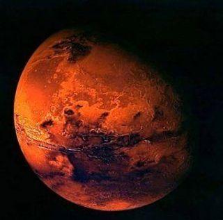 На поверхности Марса обнаружена могила с крестом