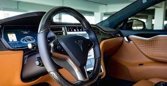 Специалисты из T Sportline собираются вернуть электрокарам Tesla кожаный салон