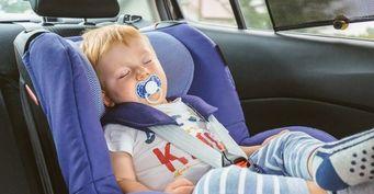 «Сон в движении – стрессовый»: консультант по сну рассказала, почему ребенку вредно спать в автомобиле