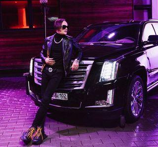 Фото: Моргенштерн иего Cadillac Escalade, источник: Собака.ру