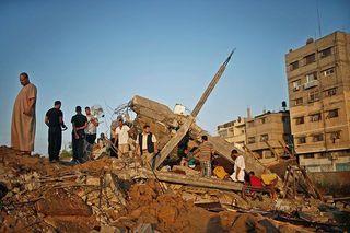 Более 800 человек погибло в секторе Газа