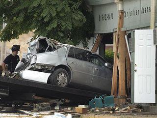 В США автомобиль пробил стену детского сада: 1 погиб, 11 пострадали