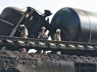В Псковской области сошли с рельсов пять цистерн с нефтепродуктами