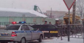 В Смоленске таксист протаранил столб и снёс ограждение