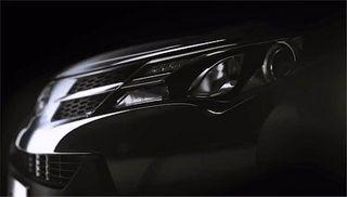 Toyota показала первый тизер обновленной Camry