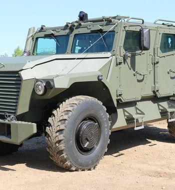 Идаже «Хаммер»— несоперник: Российский броневнедорожник «Атлет» запустят всерию
