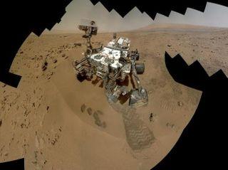 NASA: Curiosity сделал селфи в честь годовщины на Марсе