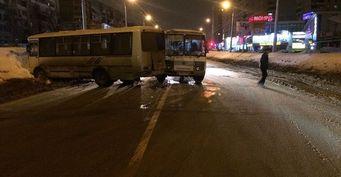 В Уфе в ДТП попали два пассжирских автобуса, есть пострадавшие