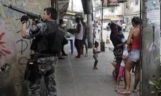 Правоохранители проводят зачистку в Бразилии перед чемпионатом мира по футболу