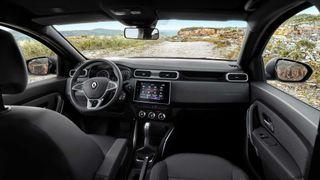 Фото: салон Renault Duster, источник: Renault