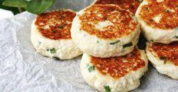 Соленые сырники с зеленым луком и паприкой