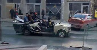 В Ростове замечен необычный автомобиль без окон и дверей