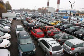 Петербургский рынок продаж автомобилей падает медленнее российского