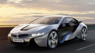 Первые экземпляры BMW i8 торжественно вручены владельцам