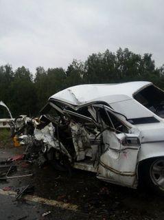 В Красноярске из-за столкновения трёх автомобилей погибли два человека