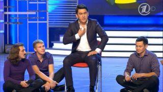 Выступление «Камызяков» Справа— Мухамбаев, посередине— Мусагалиев Фото: Youtube