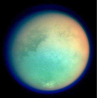 Учёные обнаружили на Титане Мёртвое море