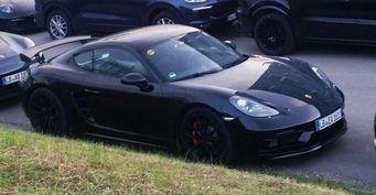 В сети показали Porsche 718 Cayman GT4 без камуфляжа