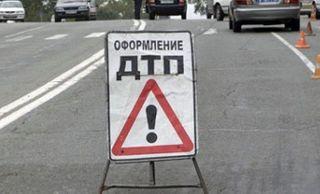 """В Санкт-Петербурге лоб в лоб столкнулись автобус и """"легковушка"""""""