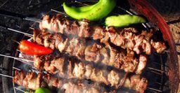 Вкусный шашлык: Выбор мяса, маринада и «работа» над углями