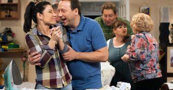 Букины, Воронины и«СашаТаня» вреальности: Похожили семьи актёров этих сериалов на семьиперсонажей