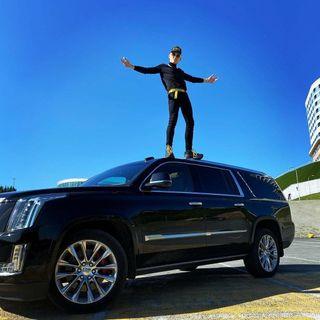 Фото: Моргенштерн иего Cadillac Escalade, источник: VistaNews