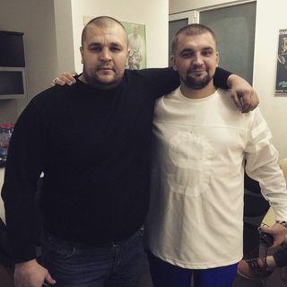 Михаил и Василий Вакуленко. Фото из Pikabu.ru - @nightman1987
