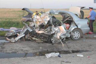 В Татарстане при столкновении легковушки и фуры погибли 4 человека
