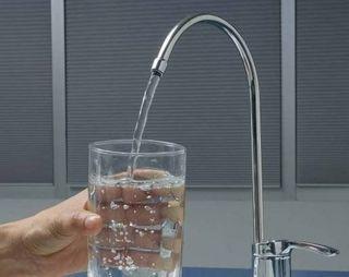 Жители американского города Толедо остались без питьевой воды