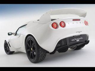 Родстер Lotus Exige S поступит в продажу этим летом.