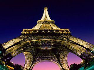 Эйфелева башня заняла 1-е место на Instagram