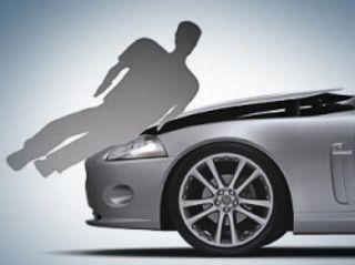 Московская полиция разыскивает водителя, сбившего пенсионера за замечание