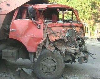 Грузовик врезался в восемь машин на Варшавском шоссе