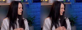 Катя демонстрирует тот самый ракурс, кадры из видео на YouTube
