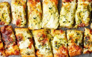 Сырный хлеб счесноком   Фото: cafedelites.com