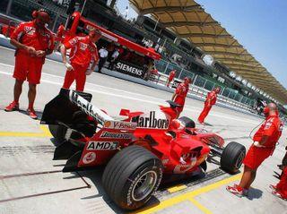 Благодаря усилиям FIA двигатели станут громче
