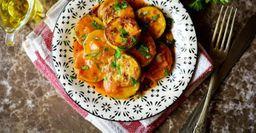 Жареные кабачки под томатным соусом: Вкуснее, чем смайонезом