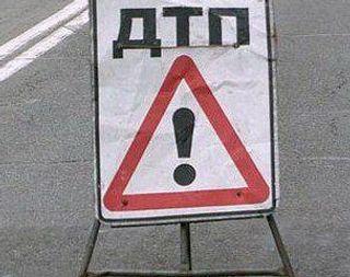 В ДТП в Липецкой области опрокинулся грузовик