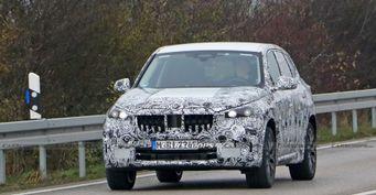 Гибридный BMW X1 2023 замечен на тестах: Свежие подробности