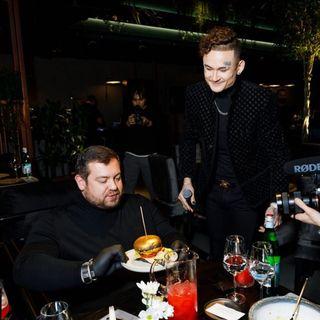 Моргенштерн общается с Давидычем в своем ресторане\Источник: Instagram morgen_shtern
