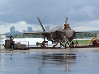 В США разрешили полеты истребителям F-35