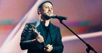 MONATIK несдаётся: Пока звёзды экономят— певец служит для народа