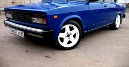 Автомобилисты высмеяли «лакшери» тюнинг ВАЗ-2107: «Тольяттинские миллионеры настолько суровы?»